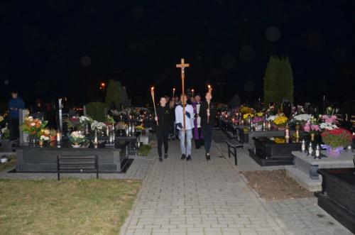 procesja na cmentarz (8)